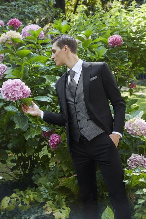 Black groom suit Couture 21.31.004